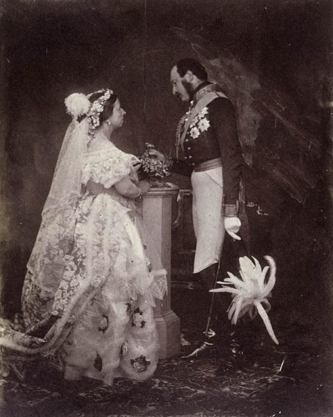 Историята на сватбената фотография